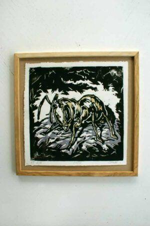 Kunsttryk med billede af myre i ramme